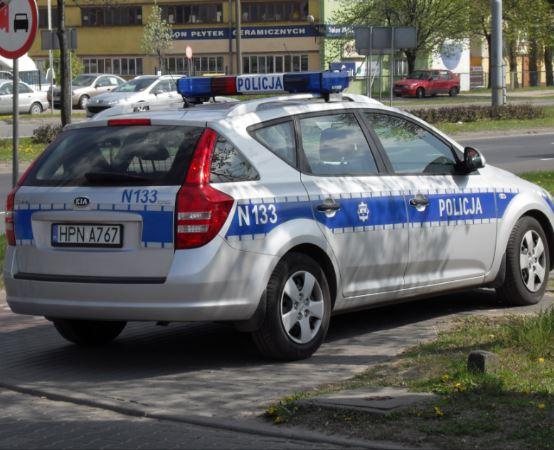Policja Lublin: Poszukiwany listem gończym ukrył się za wersalką